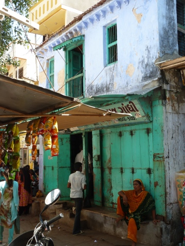 Dans un bazar de Mandvi